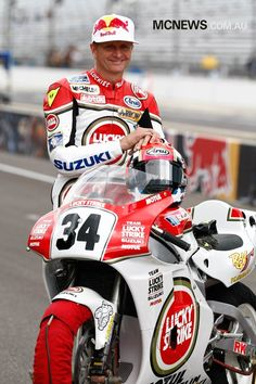 Kevin Schwantz - Motocycle Pictures and Wallpapers White Motorcycle, Motorcycle Racers, Suzuki Motorcycle, Racing Motorcycles, Motorcycle Outfit, Kevin Schwantz, Freddie Spencer, Gp Moto, Motogp Race