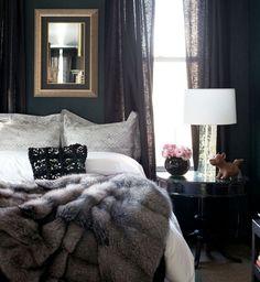 Decoração com a cara do inverno. Veja: http://casadevalentina.com.br/blog/detalhes/com-a-cara-do-inverno-2926 #decor #decoracao #interior #design #casa #home #house #loft #idea #ideia #detalhes #details #style #estilo #casadevalentina #inverno #winter #bedroom #quarto