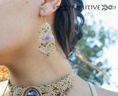 Boucles d'oreilles de macramé de fée avec Pierre par PrimitiveCraft, $40.00