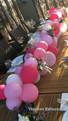 Balloon table centrepiece, table runner, organic
