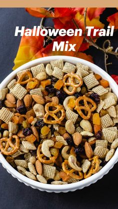 Halloween Appetizers, Halloween Food For Party, Yummy Appetizers, Yummy Snacks, Halloween Treats, Healthy Snacks, Trail Mix Recipes, Snack Mix Recipes, Chex Recipes