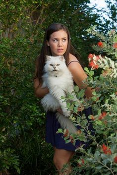 Mako Mermaids - Mimi with Poseidon … H2o Mermaids, Mermaids And Mermen, Smallville, H2o Mermaid Tails, Mako Island Of Secrets, Reign, Mermaid Wallpapers, Mermaid Pictures, Girl In Water