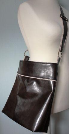 """Sac """"Flo"""" cousu par Anne - """"Flo"""" bag sewn by Anne. http://petitpsoissont.canalblog.com"""