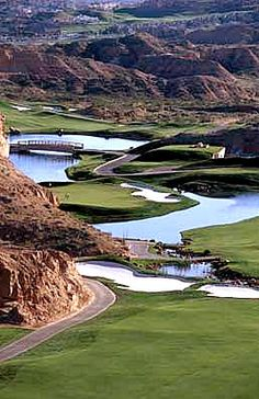 Wolf Creek, Mesquite NV Our Residential Golf Lessons are for beginners, Intermediate & advanced. Our PGA professionals teach all our courses in an incredibly easy way to learn and offer lasting result