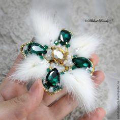 Купить Брошь-орден с норкой - золотой, бирюзовый, зеленый, белый и зеленый, серый и зеленый