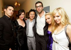 HEROES. Pete, chick I don't know, Hiro, Sylar, Claire, Elle!!