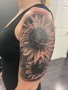 My new ink. Sunflower Tattoo Sleeve, Sunflower Tattoo Shoulder, Sunflower Tattoos, Sunflower Tattoo Design, Shoulder Tattoo, Mom Tattoos, Future Tattoos, Body Art Tattoos, Sleeve Tattoos