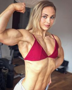 the best bodybuilding supplements for maximum lean muscle mass Muscle Girls, Muscle Fitness, Muscle Mass, Fit Women Bodies, Female Bodies, Ripped Body, Muscular Women, Strong Girls, Fitness Women