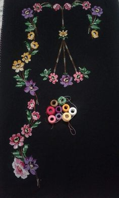 This Pin was discovered by sih Beaded Embroidery, Hand Embroidery, Machine Embroidery, Prayer Rug, Beautiful Hands, Cross Stitch Patterns, Embellishments, Diy And Crafts, Hair Accessories