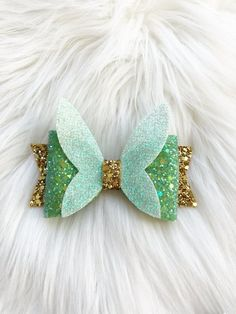 hair bows Your place to buy and sell all things handmade Tinkerbell Hair bow Tinkerbell Hair Clip Tinkerbell Bow Girl Hair Bows, Girls Bows, Disney Hair Bows, Bow Template, Felt Bows, Diy Hair Accessories, Wedding Accessories, Unicorn Hair, Making Hair Bows