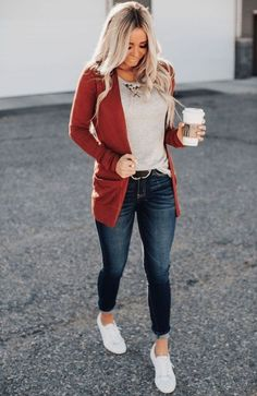 Spring Outfits Women Casual, Casual Work Outfits, Business Casual Outfits, Cute Casual Outfits, Work Casual, Casual Clothes, Stylish Outfits, Women's Casual, Womens Jeans Outfits