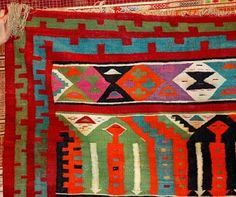 Google Image Result for http://www.english.globalarabnetwork.com/images/stories/ImagesForUsers/textiles_Tunisia.jpg