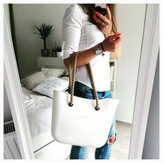 white obag - Google Search Bag Pins, Kipling Bags, Stylish Handbags, Cool Style, My Style, Baggage, Michael Kors Jet Set, Fashion Bags, Wallets