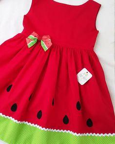 Girls Frock Design, Baby Dress Design, Baby Girl Frocks, Frocks For Girls, Cute Girl Dresses, Little Girl Dresses, Baby Frocks Designs, Trendy Baby Clothes, Girl Dress Patterns