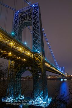 The George Washington Bridge from Henry Hudson Drive A New York Minute, Over The Bridge, I Love Nyc, George Washington Bridge, Covered Bridges, City Lights, Places To See, New York City, Beautiful Places