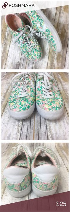 Converse Floral Breakpoint Sneaker CHUCK TAYLOR ALL STAR FLORAL BREAKPOINT SNEAKER - WOMEN'S  Preowned women's size 10.  011911 Floral print canvas upper Removable cushioned footbed Vulcanized rubber sole Bundle and save! Fast shipper. Top Rated Seller and Poshmark Ambassador Converse Shoes Sneakers