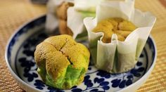 A classic dessert, with a typical and incomparable taste, is baked into beautiful individual little cakes, that not only look cute but are as fluffy and sweet as they can get.
