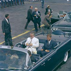 President John F. Kennedy with President of Ecuador, Dr. Carlos Julio Arosemena Monroy 7/23/62
