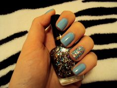 ALWAYS rock the party nail :)