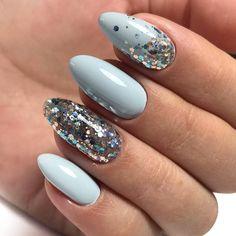 80 ideas to create the best Halloween nail decoration - My Nails Cute Acrylic Nails, Cute Nails, Pretty Nails, Elegant Nails, Stylish Nails, Hair And Nails, My Nails, Light Blue Nails, Nagellack Design