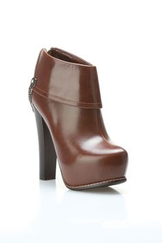 Paola Boots In Brown.