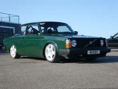 Volvo 242 Compomotive