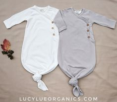 Gender neutral baby clothes, made in the softest organic cotton by Lucy Lue Orga… - Babykleidung Gender Neutral Baby Clothes, Trendy Baby Clothes, Organic Baby Clothes, Baby Clothes Shops, Baby Clothes For Boys, New Born Clothes, Unisex Baby Clothes, Babies Clothes, Baby Unisex