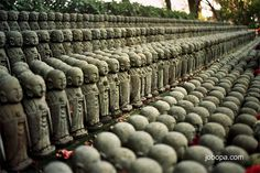 Buddhas  at  Hase-Dera temple,  Kamakura, Japan by Jobopa, via Flickr