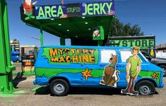 *On Location* The Mystery Machine - Scooby Doo & Mystery Inc. Scooby Doo Mystery Inc, Our Generation Dolls, Awesome Stuff, Pixar, American Girl, Dc Comics, Avengers, Star Wars, Marvel
