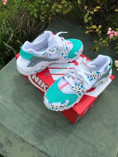 Browse all products in the Nike Huaraches category from RichyCustoms. Haraches Shoes, Hype Shoes, Dance Shoes, Shoe Boots, Cute Sneakers, Shoes Sneakers, Shoes Jordans, Sneakers Fashion, Nike Shoes Huarache