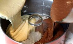 Jak připravit rychlou bábovku bez použití bábovkové formy – varenirecept Chocolate Fondue, Nutella, Icing, Ice Cream, Pudding, Food, No Churn Ice Cream, Icecream Craft, Custard Pudding