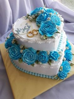 Cream * wedding cake - decorated with beautiful blue roses ♥- Dort krémový * . Cake Decorating Designs, Creative Cake Decorating, Cake Decorating Videos, Cake Decorating Techniques, Heart Shaped Wedding Cakes, Heart Shaped Cakes, Cream Wedding Cakes, Buttercream Wedding Cake, Pretty Cakes