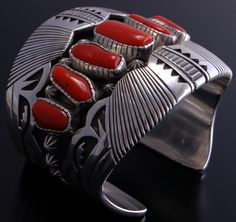 Description: Erick Begay is a master silversmith and goldsmith with more than 28 years experience. He is an award winning artist that has multiple awards, including the Santa Fe Indian Market. His Fam