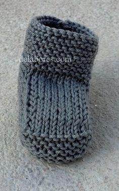 22 Ideas for crochet socks tutorial kids Baby Knitting Patterns, Knitting For Kids, Knitting Projects, Crochet Projects, Knitted Baby Clothes, Knitted Hats, Crochet Socks Tutorial, Crochet Baby, Knit Crochet