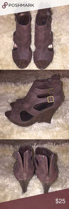 Women's wedges, brown, size 7 Hardly worn, great condition. Perfect to wear with anything from jeans to dresses! Unlisted Shoes Wedges