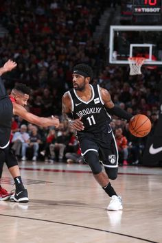 Hawks Discover Kyrie Irving Stock Pictures Royalty-free Photos & Images Kyrie Irving Pictures and Photos - Getty Images Michael Jordan Basketball, Basketball Coach, Chris Brown Albums, Kyrie Irving Brooklyn Nets, Irving Wallpapers, Lebron James Lakers, Kobe Bryant 24, Devin Booker, Basketball Photography
