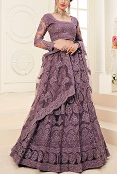 Indian Fashion Dresses, Indian Gowns Dresses, Dress Indian Style, Indian Designer Outfits, Latest Bridal Lehenga, Designer Bridal Lehenga, Bridal Lehenga Choli, Net Lehenga, Pakistani Bridal