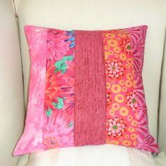 Housse de coussin en patchwork: printemps en fleurs, fuchsia, rouge, ocre