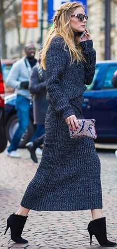 Who made  Olivia Palermo's gray skirt, turtleneck sweater, clutch handbag, black ankle boots, and clutch handbag?