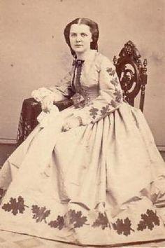 The Barrington House distinctive trim civil war era fashion