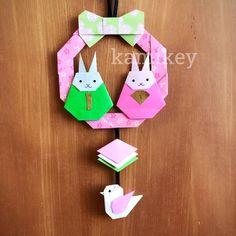 """そろそろひな祭りの準備です ❇︎ うさぎのおひなさま 15㎝×15㎝ リボン 12㎝×12㎝ リースリング ひしもち 7.5㎝×7.5㎝ ことり 9㎝×9㎝ 作り方動画は、YouTubeチャンネル【創作折り紙 カミキィ】でご覧ください(プロフィールにリンクがあります) ✳︎ designed by kamikey Tutorial on YouTube """"kamikey origami """" link on my bio. ✳︎ 作ったら #kamikey または #カミキィ で投稿してね! #origami #折り紙"""