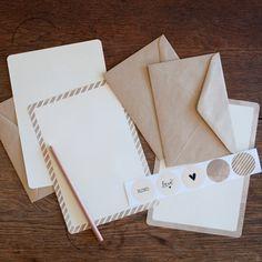 An April Idea - Writing Set - Beige Spots & Stripes - hardtofind.