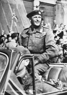 13.05.1945 Kronprins Olav kom tilbake til Norge fra eksil under andre verdenskrig (Wikipedia)
