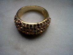Damen Edelstahl Ring mit Swarovski Steine Größe: 17 mm Goldfarbend Der Ring ist vorne etwas breiter. #schmuck #ring #swarovski #modeschmuck #auktion  #edelstahlschmuck