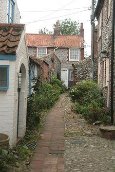 Norfolk England, Norfolk Coast, Norfolk Cottages, Norwich Norfolk, English Country Cottages, Cromer, Uk Photos, Cottage Homes, Homeland