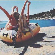 Extraño a mis amigaas que hice en veranoo :(
