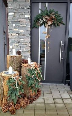 120 beautiful christmas porch decorating ideas - page 3 > Homemytri.Com Noel Christmas, Winter Christmas, Christmas Wreaths, Christmas Crafts, Christmas Ideas, Christmas Inspiration, Advent Wreaths, Christmas Yard, Xmas Holidays