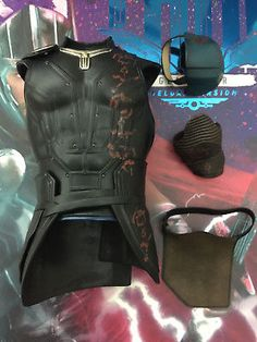 This item is from hottoys Gladiator Thor - set. Made from doll toys plastic. Thor Costume, Avengers Costumes, Thor Cosplay, Cosplay Costumes, Halloween Costumes, Cosplay Ideas, Costume Ideas, Comic Clothes, Armor Concept