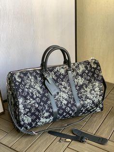 Vuitton Bag, Louis Vuitton, Virgil Abloh, Travel Bag, Belt, Daily Fashion, Cars, Belts, Louis Vuitton Wallet
