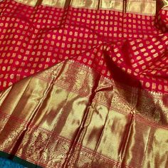 Wedding Silk Saree, Bridal Wedding Dresses, Wedding Outfits, Saree Blouse Patterns, Saree Blouse Designs, Gadwal Sarees Silk, Malayali Bride, Bengali Bride, Simple Sarees
